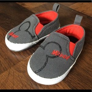 Mickey Mouse baby boy crib shoes 2 gray red disney